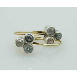 Kolczyki złote z rozetami diamentowymi