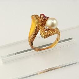 Pierścionek złoty Perła Rubin Diament