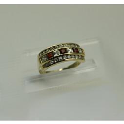 Pierścionek złoty z Granatami